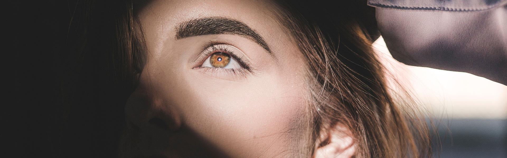Taffy ögonbryn pigmentering