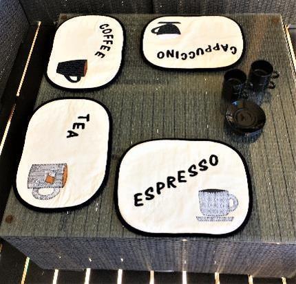 Lunsjbrikker, kaffekopper