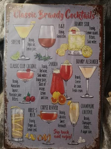 Brandy cocktails, peltitaulu