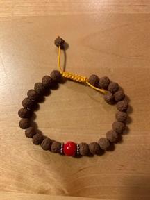 4) Rudrashakifrön med röd sten