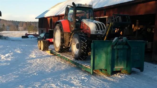 Hela traktorn får plats!