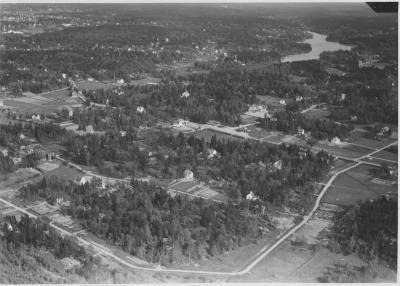 Flygbild över Segeltorp från c:a 1936. Fotograf Ahrenbergsflyg. Bilden finns i Stockholms Länsmuseums bilarkiv.
