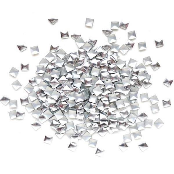 KN- STUDS Square SILVER 5 mm