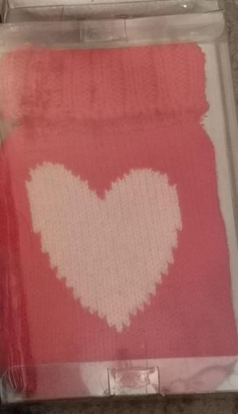Kädenlämmitin punainen vaal.pun sydämellä