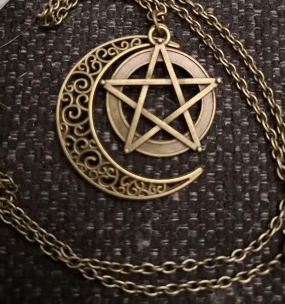 Retro pentagram, kaulakoru