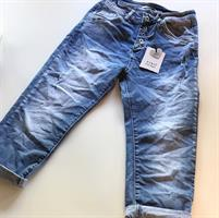 Piro Jeans, Capri