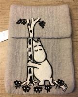 iPad fodral grå Mumin trädkram Klippan