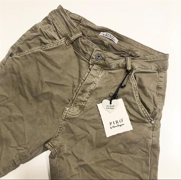 Piro Jeans, Fango