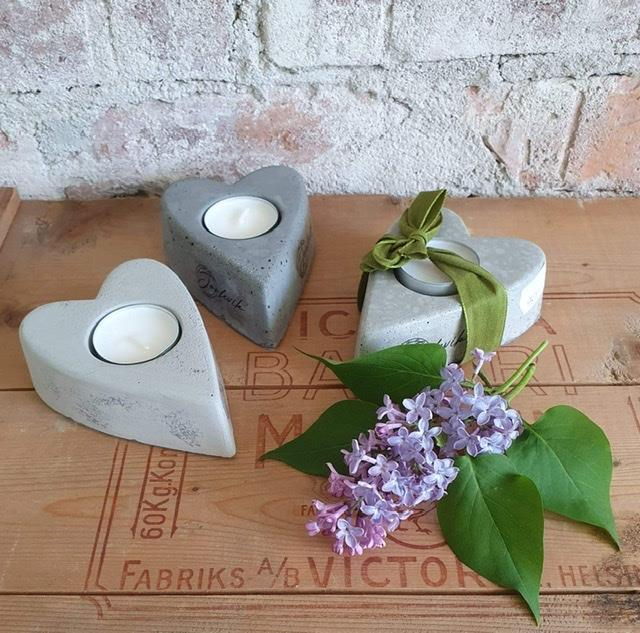 Hjärtformad ljuslykta betong