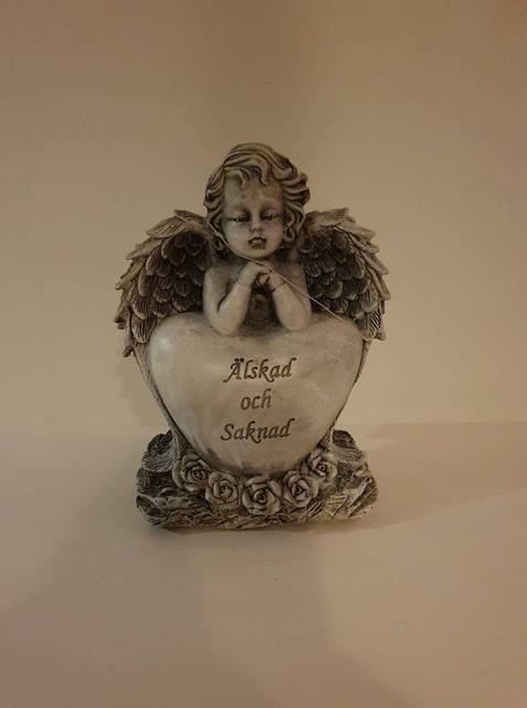 Gravhjärta med ängel