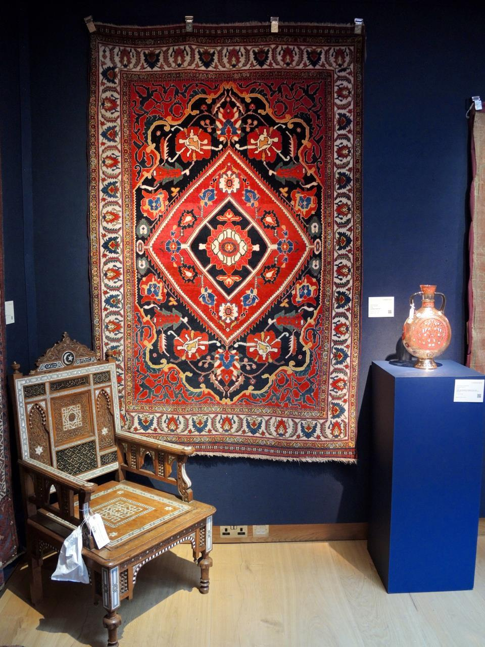 Vakkert tablå med antikt Qashqai-teppe
