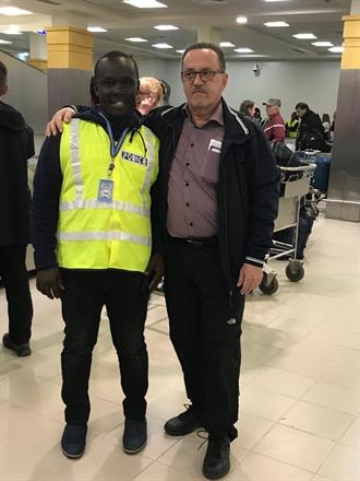 Vår egen flygplats polis / Our own Airport police - Morris