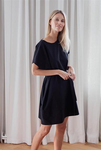 Gauhar Boxy Dress, Black