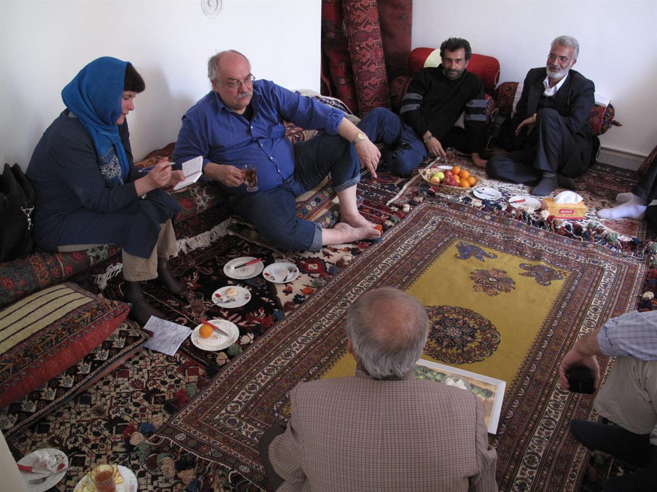 Hege og Trond gjør research i Iran (2010)