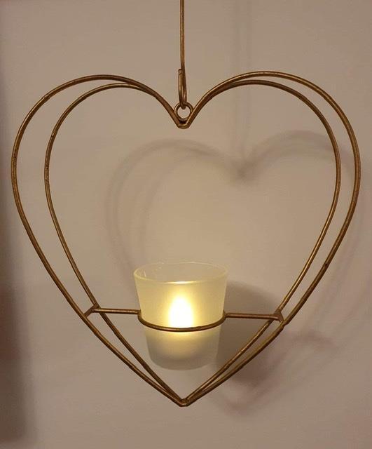 Hängande ljuslykta hjärta i guld