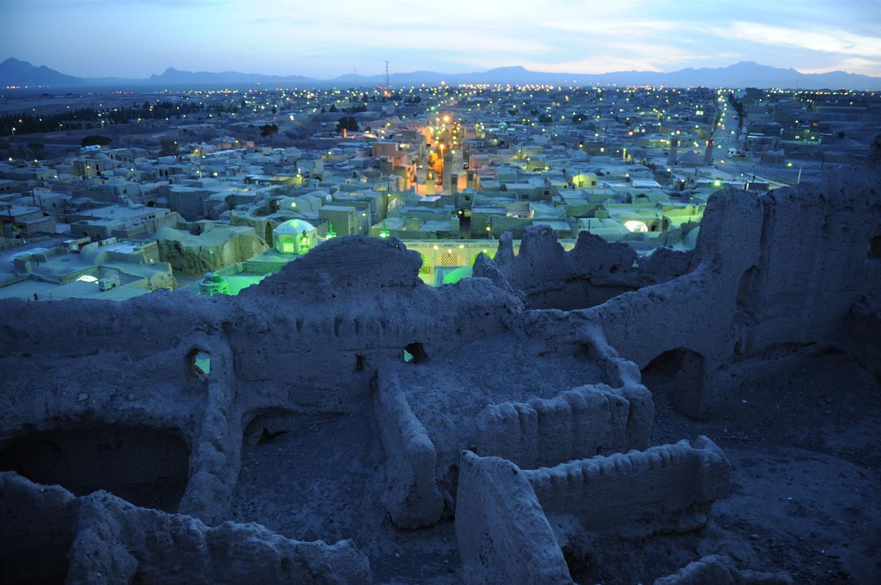 Kveldsstemning i Mohammadye i Iran (Foto: Rolf Larsen)