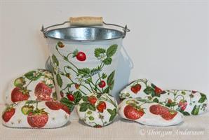 Dekorstenar vita, jordgubbar stor