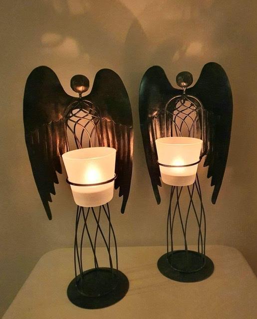 Ljuslykta stående ängel