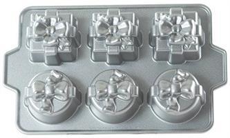 Nordic Ware Gift Cakelete