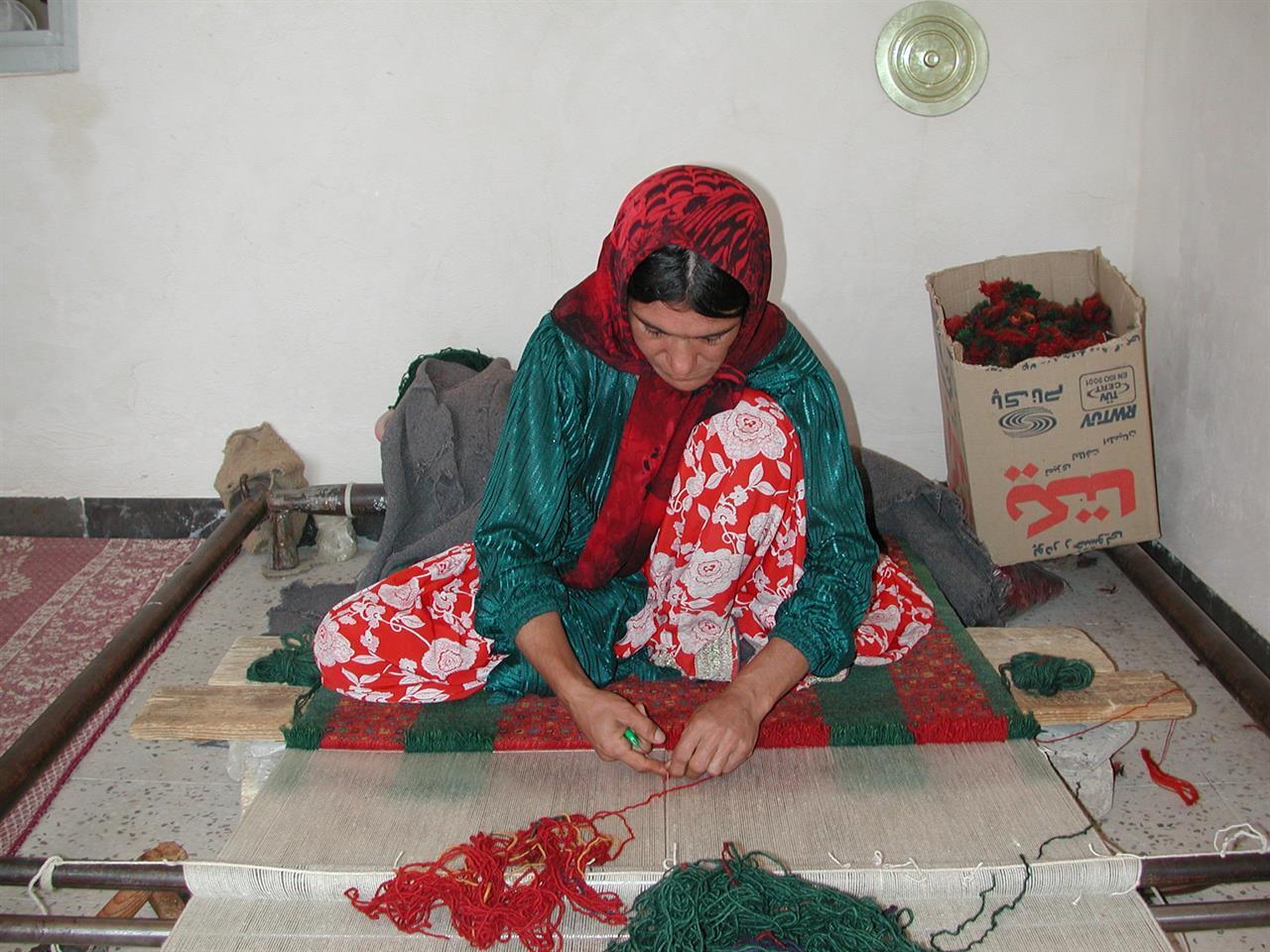 Qashqai-kvinne nær Firuzabad, Iran