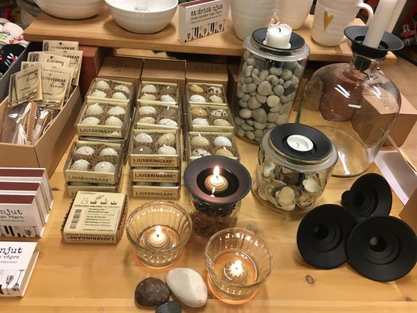 Ljusbringare från Lumipak! Ekologiskt alternativ till värmeljus, eldas med vanlig matolja.