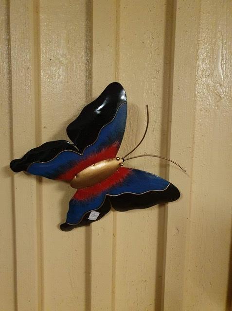 Fjäril vägg målad