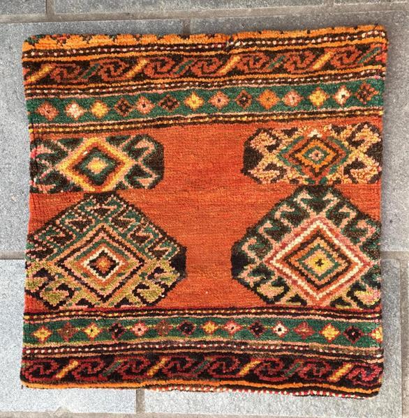 56051 Anatolsk knyttet pute 50 x 50