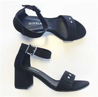 Bukela Alba, Black