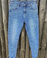 Piro Jeans, Vaaleansininen hapsulahkeella