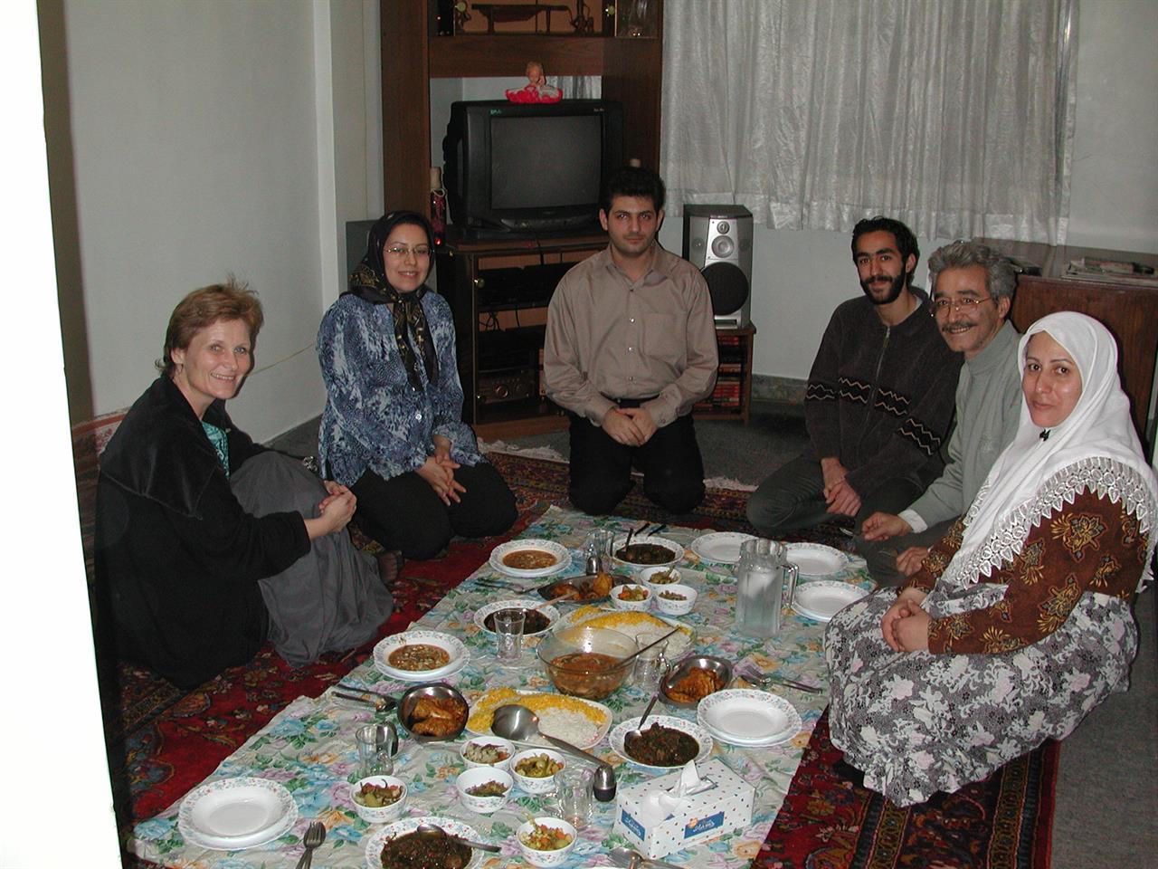 Middag hjemme hos en iransk familie