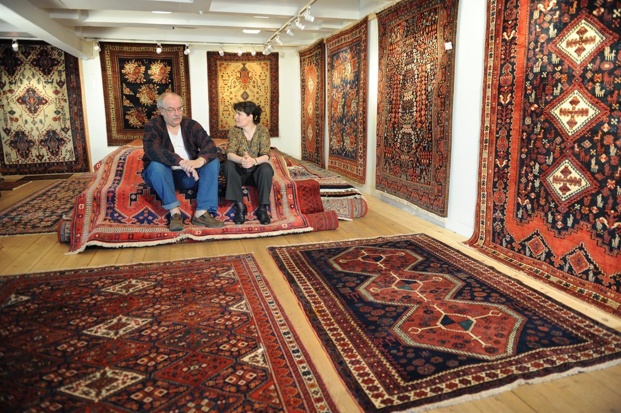 Trond Johannessen og Hege Jacobsen driver forretningen Trojo Orientalske Tepper  på Grini Mølle