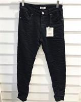 Piro Jeans Musta Hapsulahkeella