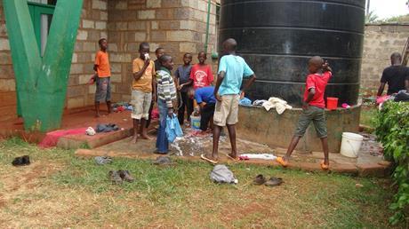 Klädtvätt efter dagens skola