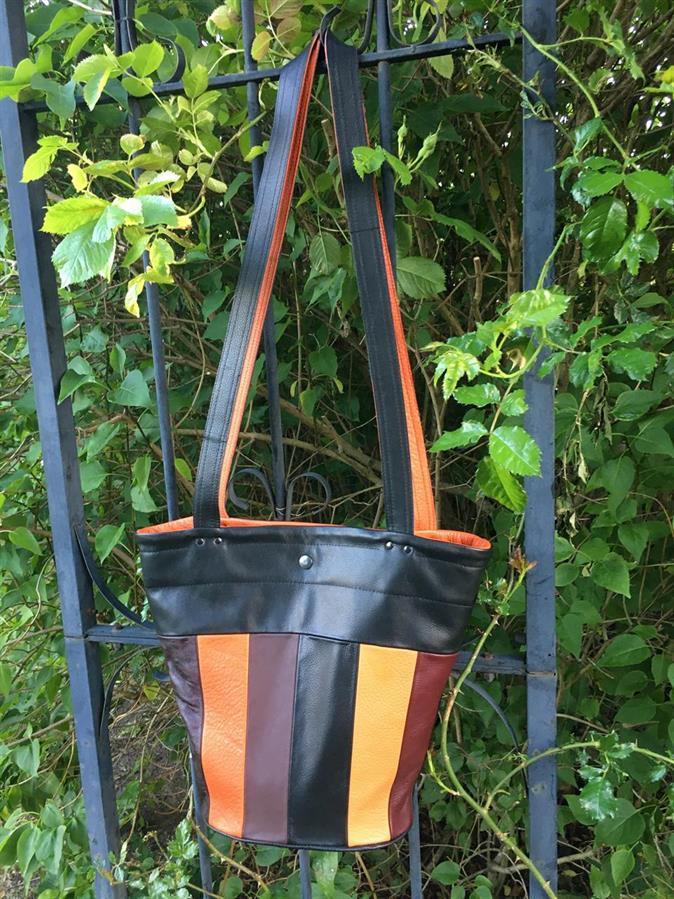 """Inolea väska modell """"Majsan"""", egen design och tillverkning."""