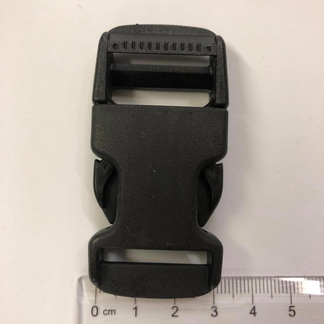 Lukkespenne,plast, sort 3 cm