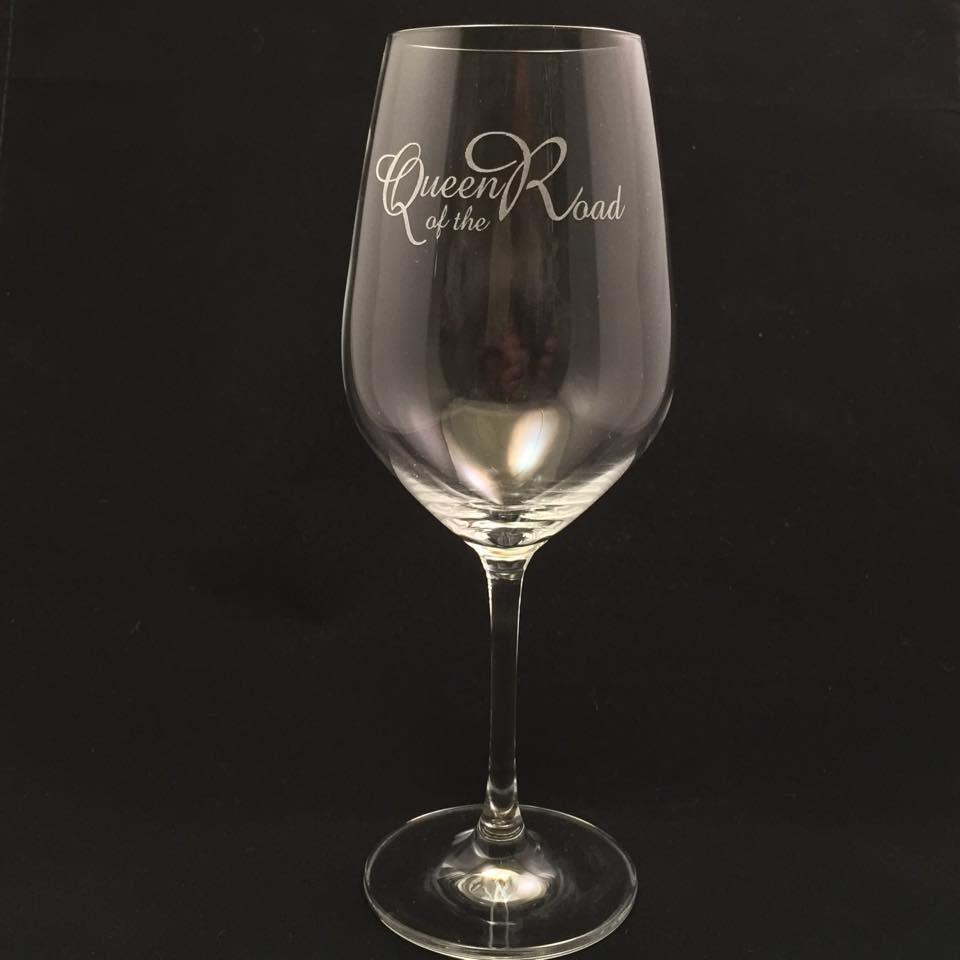 Kristallglas för vitvin med gravyr
