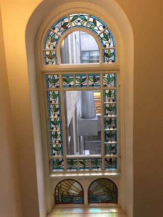 Slike vinduer er skjeldne og må få verdig pleie.
