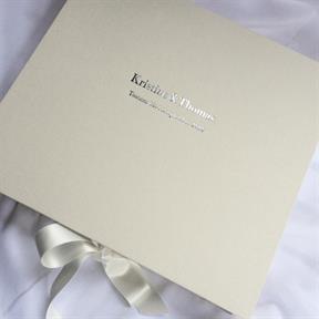 Nydelig boks til bryllupsminnene<3