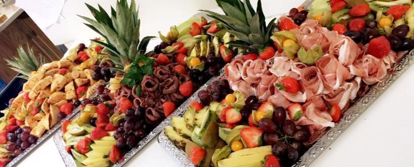 Köttfat med exotiska frukter