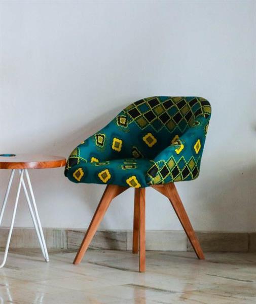 Vihreä kuviollinen tuoli