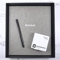 Hyttebok i Record Grå med hvit skrift