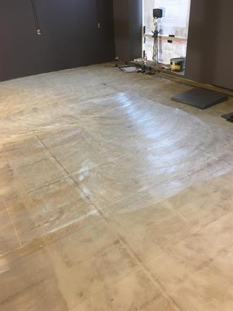 Feltet er målt ut etter gitte tegninger og limes med Casco gulv lim