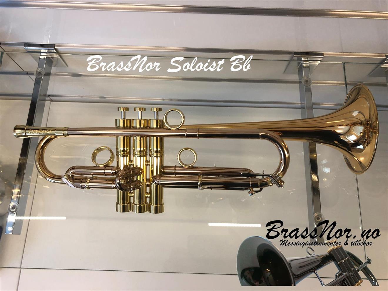BrassNor Soloist 1110L Bb trompet  lakkert