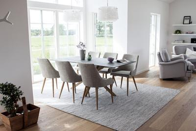 Polar matbord och 6 st Plaza matstolar