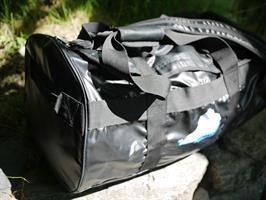 Vattenskyddad sportig väska 60 liter