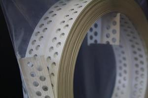 PVC-kulmalista 25m/rll Catnic MULTI (6 rll/ltk)