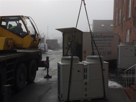 Transport av luftvärmepump ca 500kg som skall upp på taket
