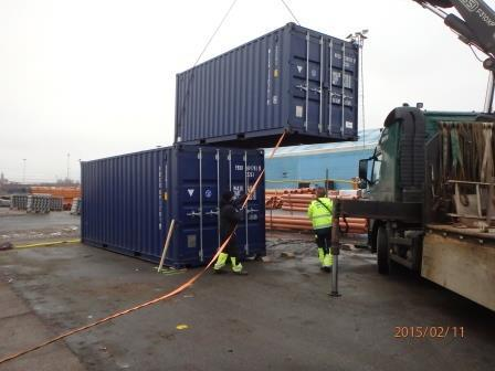 Containers kommer på plats!