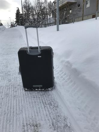 Da er vi på vei hjem til Oslo, ikke kledd for slik vinter her oppe..