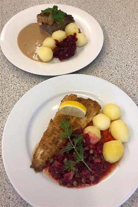Kålpudding eller Spättafilé med rödbetor & kapris